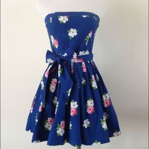 Abercrombie & Fitch Dresses - Strapless blue floral dress